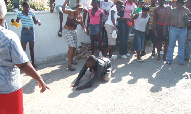 Jamaican MOB_BEATS_CROSS_DRESSER_1