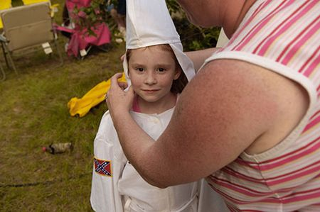 Kkk- aryan-outfitters-ms-ruth-ku-klux-klan-photoessay-by-photojournalist-anthony-karen